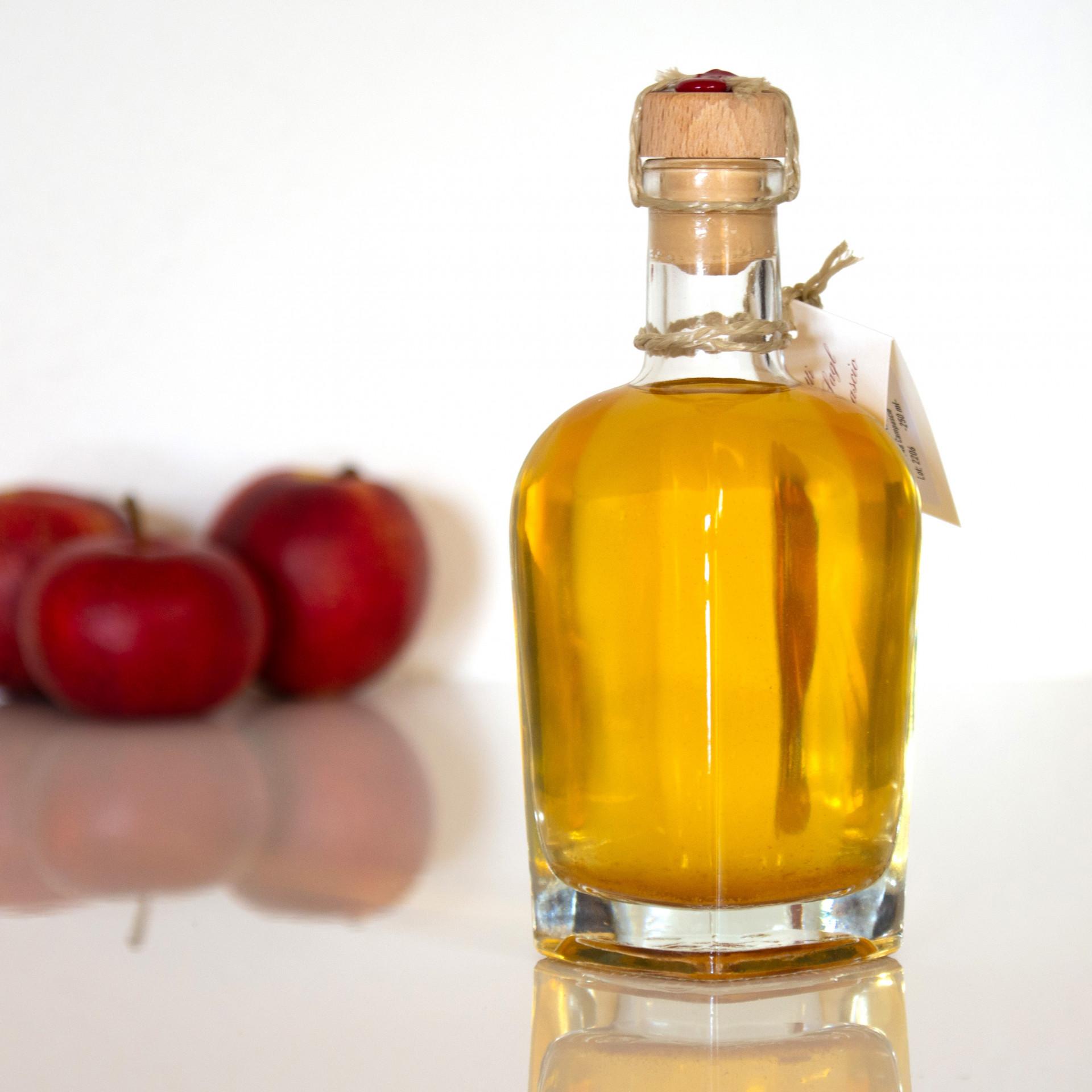 Apfelessig Aus Dem Puschlav, Piccoli Frutti